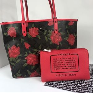 Coach Camo Rose Reversible tote bag set purse city
